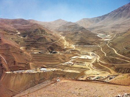 チリ・カセロネス鉱山