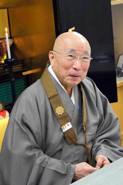 全日本仏教会・河野太通会長