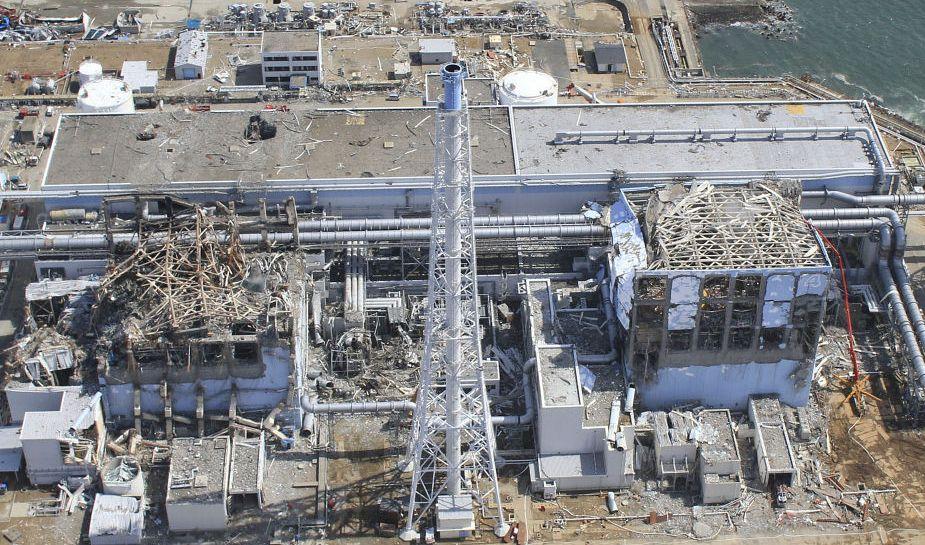 福島原発事故・上空から撮影